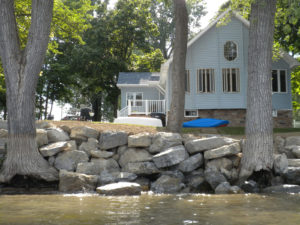 Lake Champlain Vacation cottage off the Adirondack Northway Exit 39